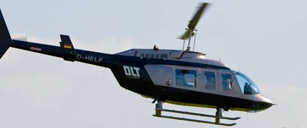 Helicopter über dem AIRPORT BREMEN