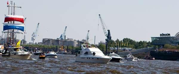 822. Hafenfest in Hamburg an den Landungsbrücken