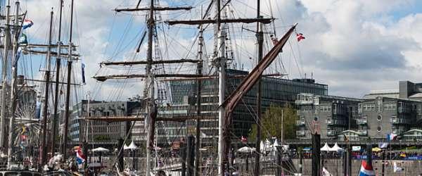 Große Segelschiffe (Dreimaster, ...) beim Hafenfest in Hamburg