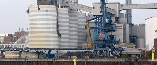 swb Kraftwerk Hastedt an der Bremer Weser.