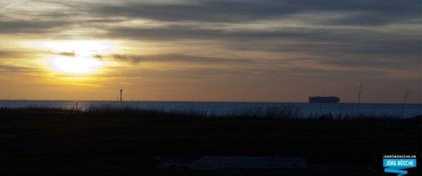 Sonnenuntergang im Hafen von Wremen bei Bremerhaven