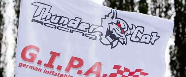 Thundercat Racing auf der Weser an der Waterfront in Bremen