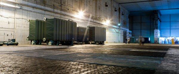 Große Lagerungshalle von Siemensprodukten im U-Boot-Bunker Valentin, Farge