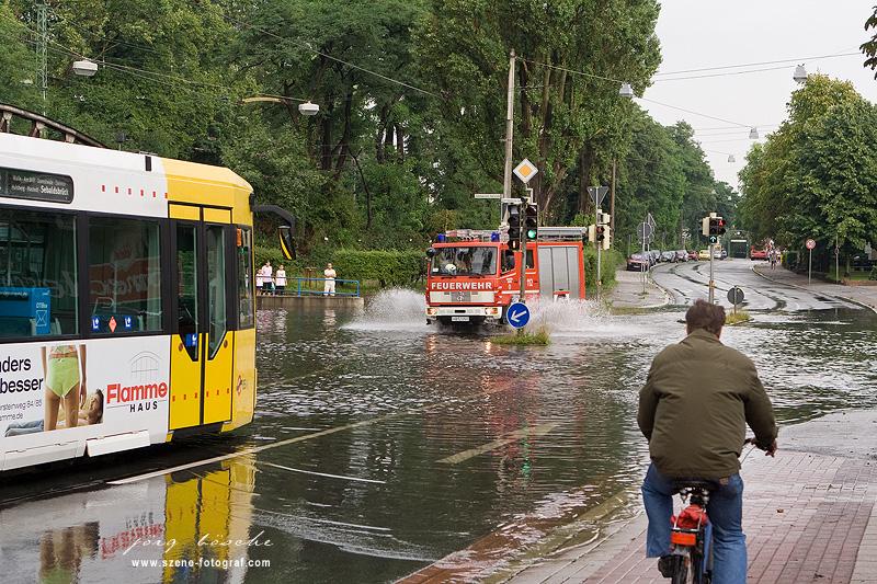 Unwetter Bremen - Zeppelintunnel im August 2008 unter Wasser