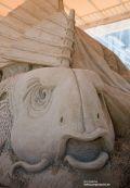 Gesicht vom Fisch als Sandskulptur in Warnemünde