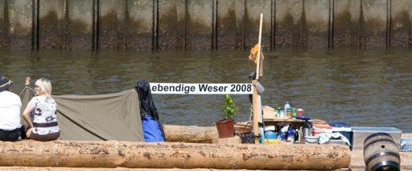 Weserarche - Holzfloß trifft in Bremen ein (25-07-2008)
