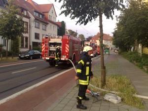 """Feuerwehr Bremen löscht Brand an der Schule """"auf der Hohwisch"""""""